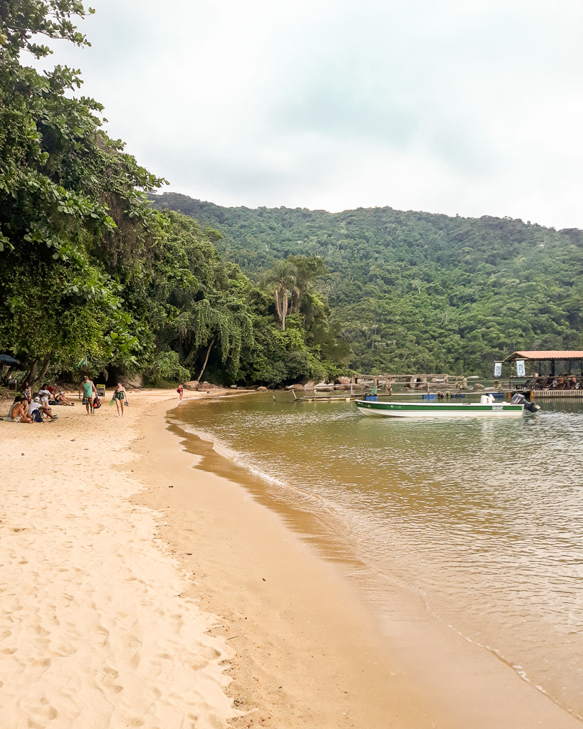 Praia do Pouso Brasil Ilha Grande on a Backpacker budget