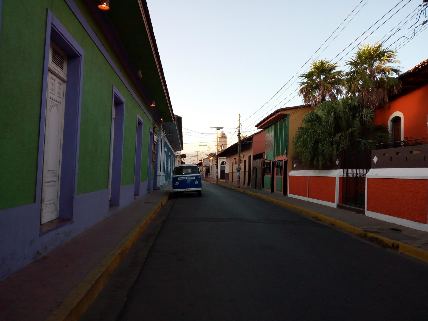 the very cute and colorful streets of Granada Nicaragua